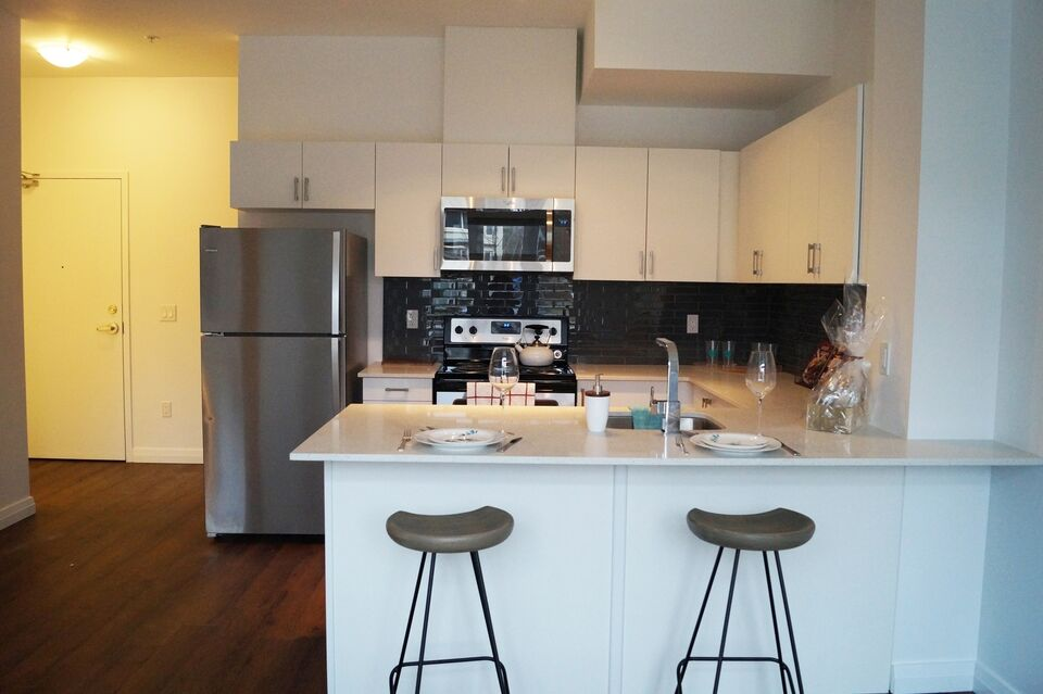 Brand New 3 Bedroom Townhouse (Yonge & Eglinton)
