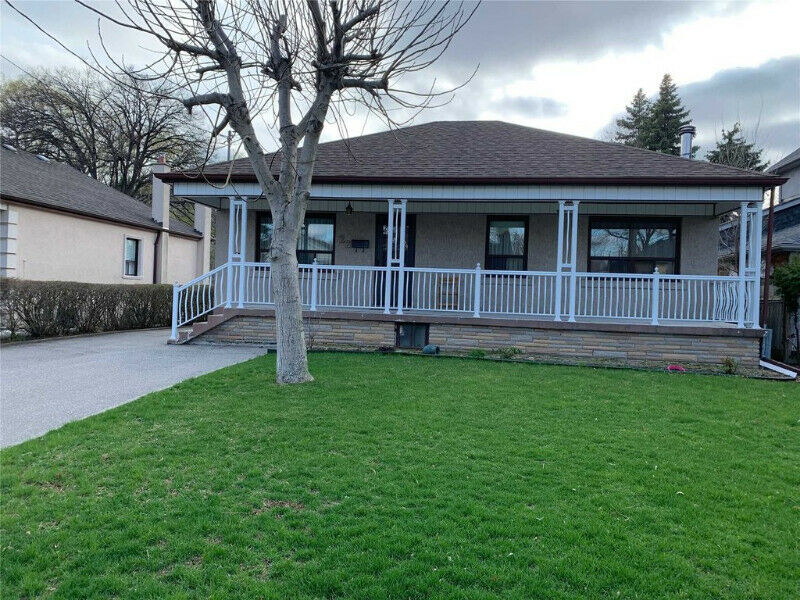 Detached Bungalow On A Premium 50 X 120 Ravine Lot