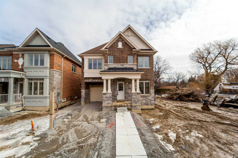 Amazing New Premium Corner Lot Detached House
