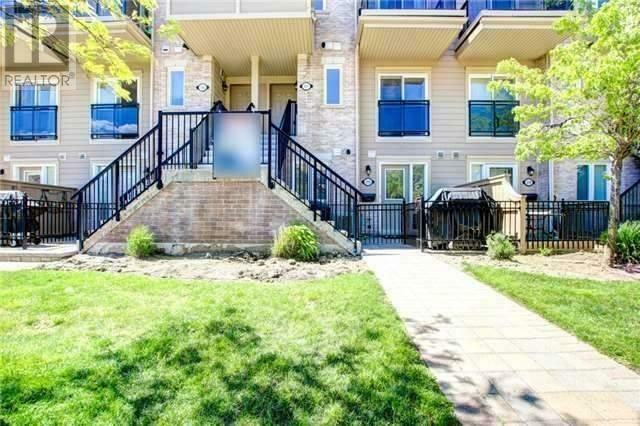 Churchill Meadows condo townhouse w/ 2 bedrooms 2 bathrooms