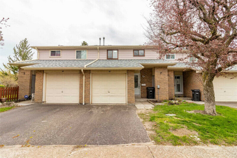 3BR + 2W BEAUTIFUL CONDO TOWNHOUSE FOR SALE IN SCARBOROUGH-174;