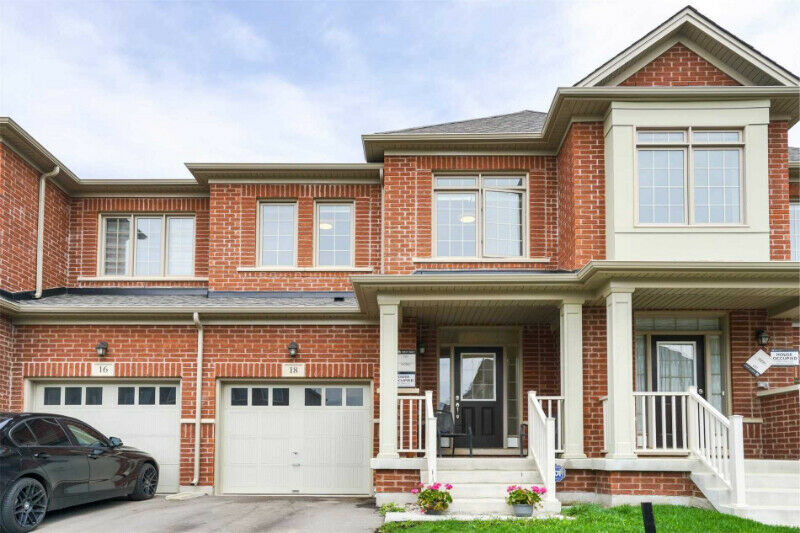 Beautiful 3 Bedroom 3 Bath Townhome for Sale in Brampton