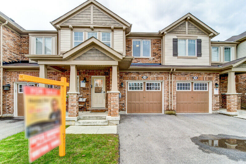 3BR+3WR Free Hold Townhouse for sale in Milton Area
