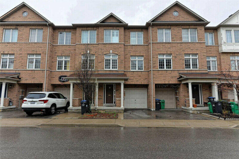 Orleans - Townhouse 3+1 Bedrooms Rent - Ottawa Area