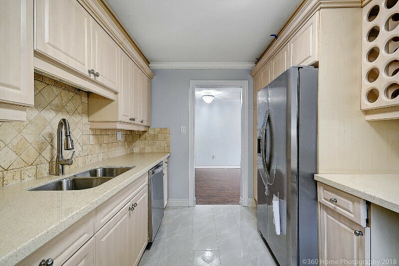 Fully Renovated Semi-Dtchd 3+2 BR, 3 Wash, Sept/Walkout Basement