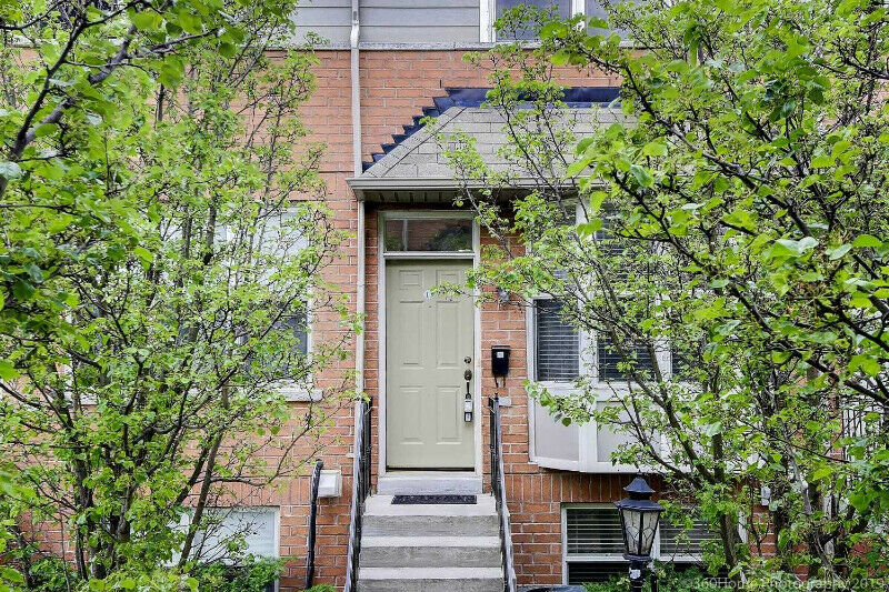 York Mill/Bayview Beautiful Three Bedroom Townhouse for Sale