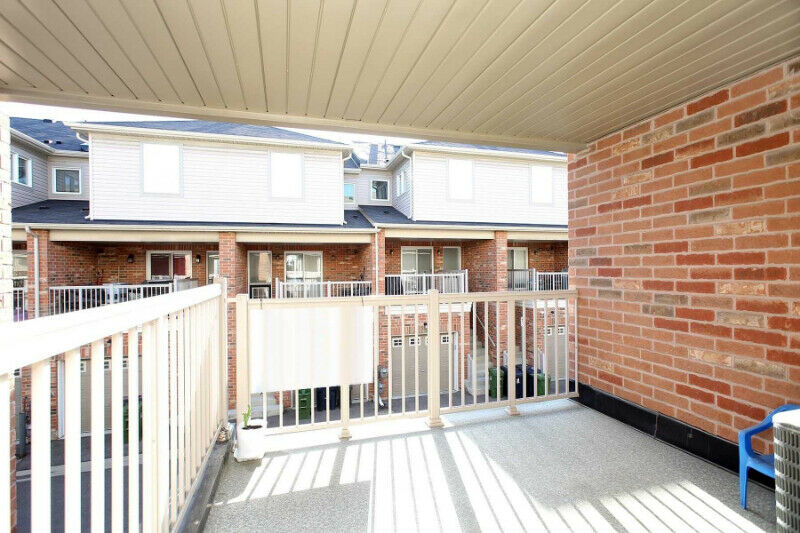 Beautiful Freehold Townhouse for Sale In Oakdale Village Toronto