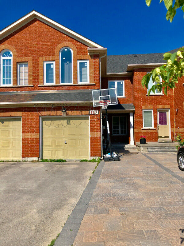 Rent - 4 Bdrm, 4 Wsrm TownHome (Maple, Vaughan)