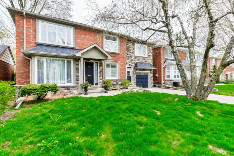 Renovated Detached House Backing onto Ravine For SALE in Toronto