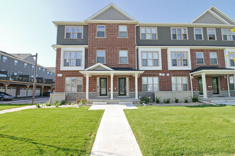 Town House for Sale - OPEN HOUSE on Sat July 6 (1pm to 5pm)