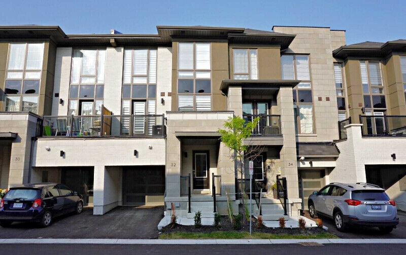 Gorgeous townhouse for sale in ideal location of Oshawa