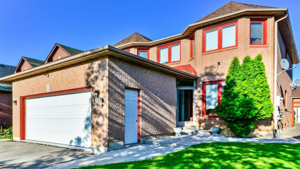4 Bedroom Detached House In Family Oriented Neighborhood On Sale: Brampton, Brampton, Ca
