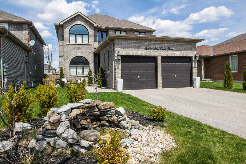 BEAUTIFUL INNISFIL HOUSE, 3,000 SQ FT, ONLY $670,000!
