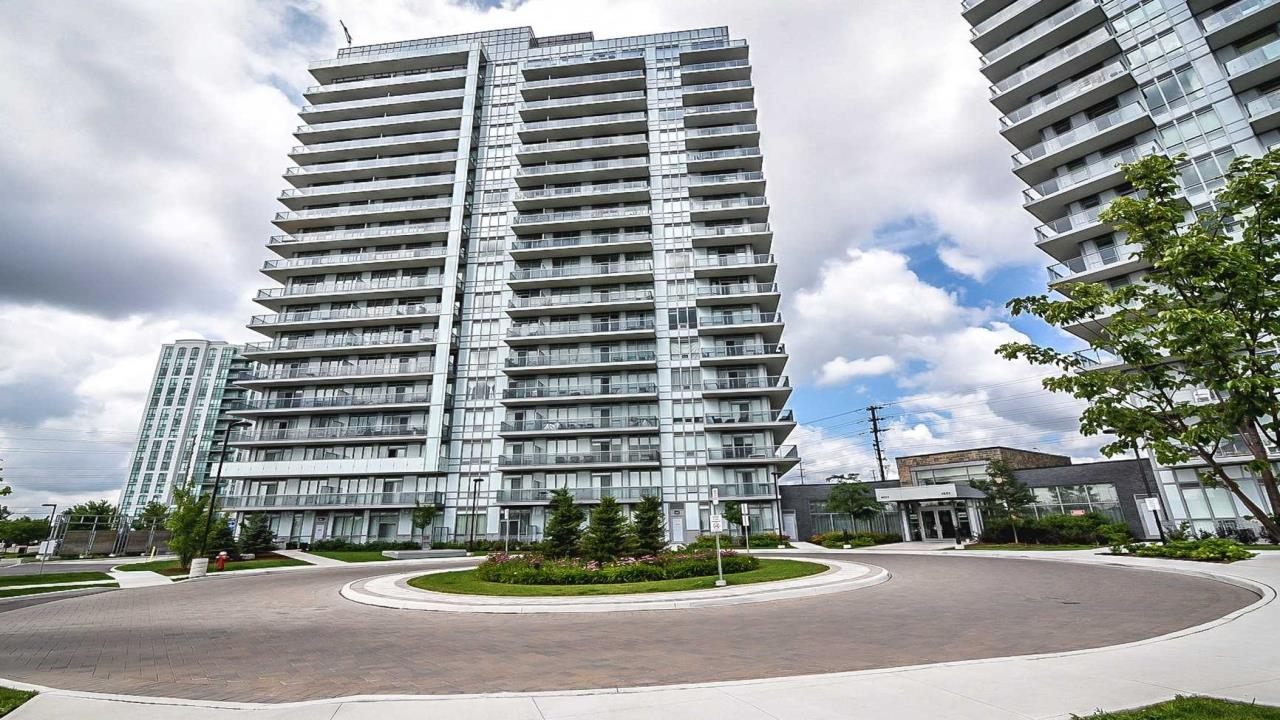 Condo For Sale In Central Erin Mills!