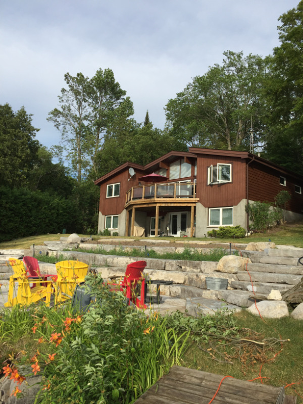 Waterfront 4 Season Cottage for sale Clear Lake/Stoney Lake
