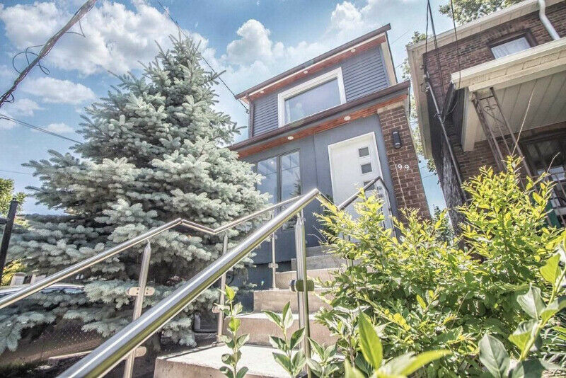 Sunny Detached Home- Great Bang For Your Buck In Toronto.