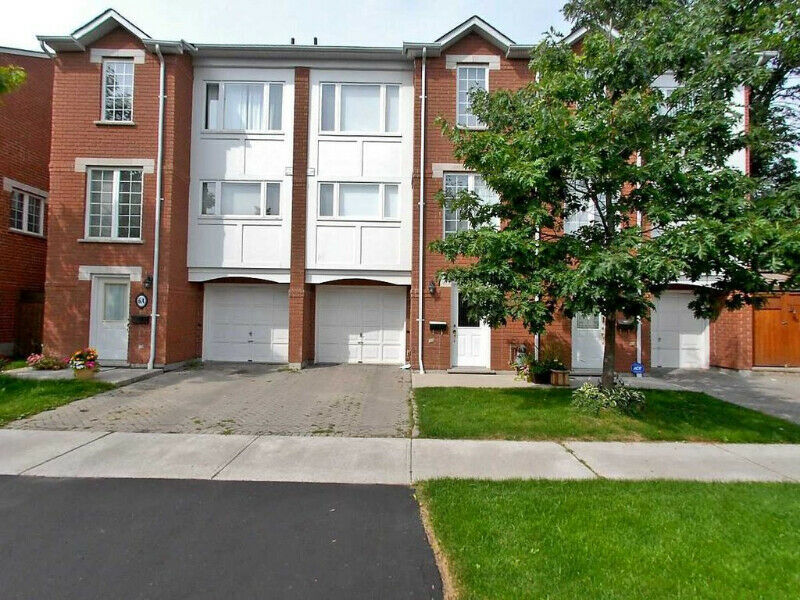 Fabulous Executive T/Home In Prime Guildwood Location.