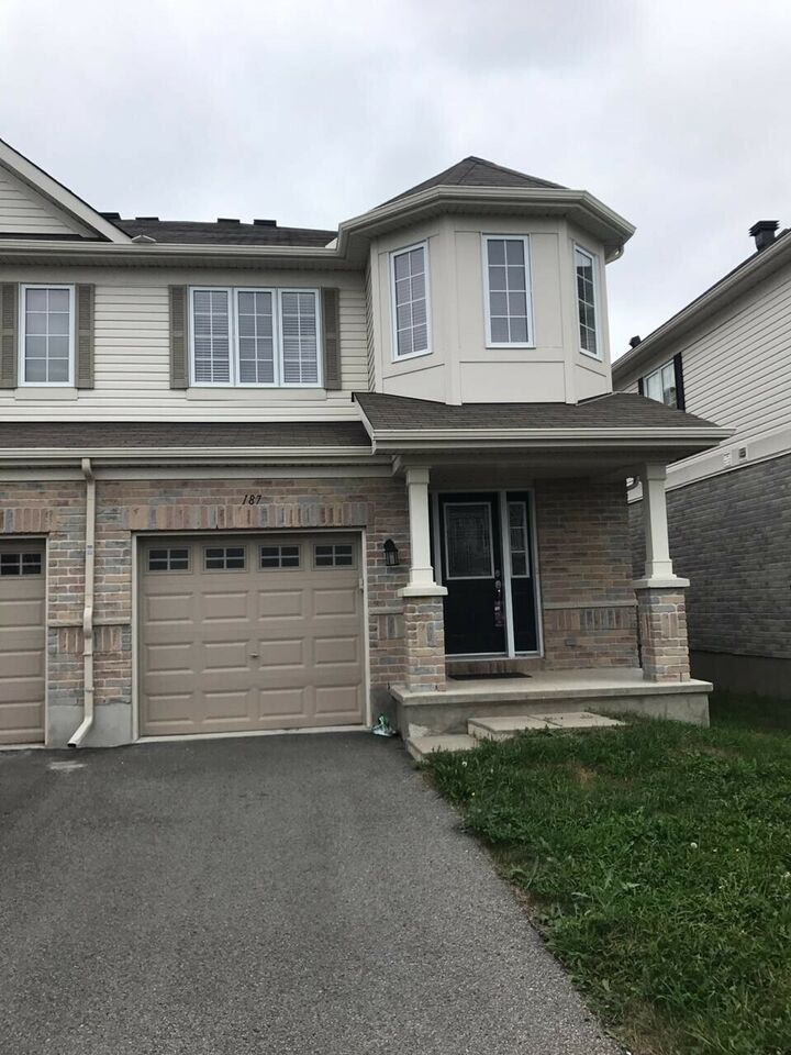 Beautiful Semi-detached home in Kanata for rent.