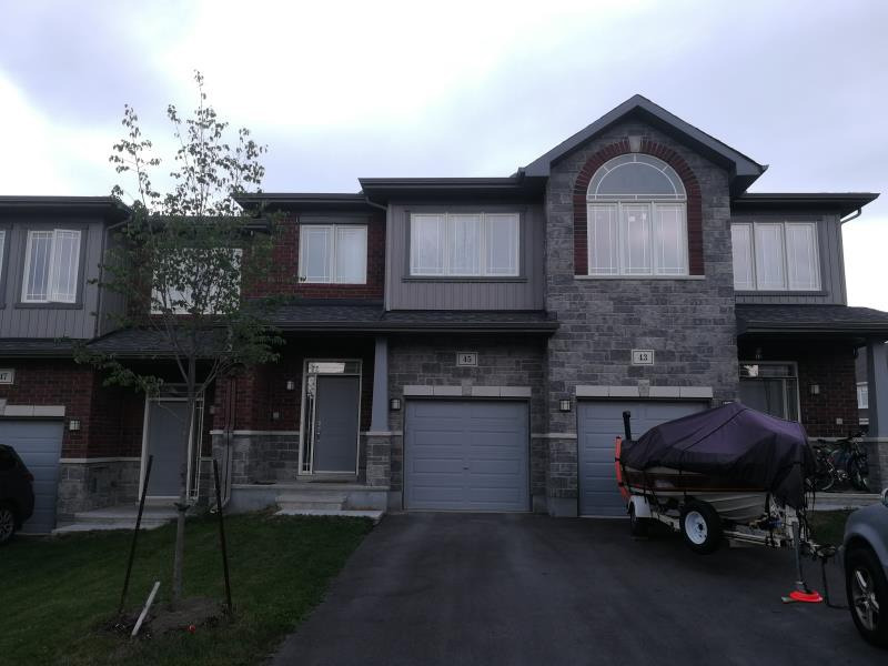 Kanata RR 3brds townhouse walk out basement for rent
