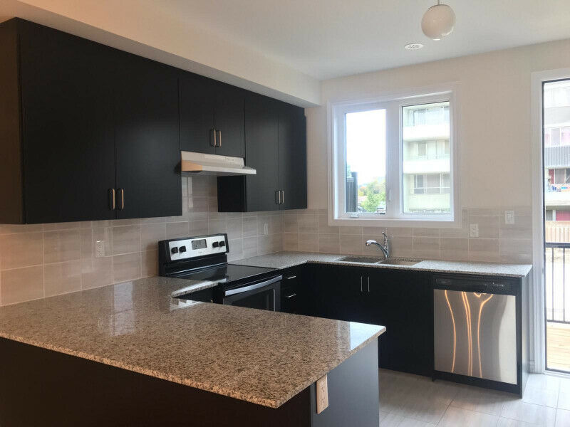 TOWNHOUSE FOR RENT - THE WESTWAY ETOBICOKE!