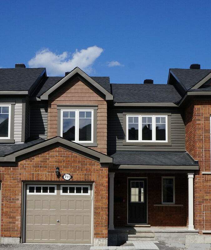 Three bedroom townhome for rent in Stittsville Ottawa October