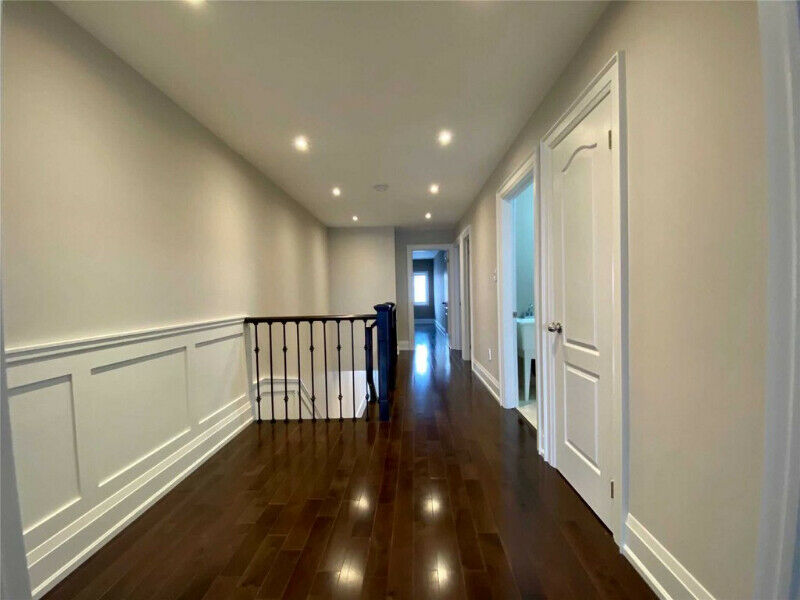 Tastefully Renovated Semi. High End Finishes And Appliances