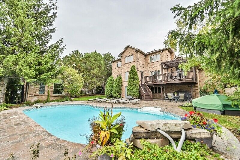 Beautiful Woodbridge Home FOR SALE - Pool & Walkout