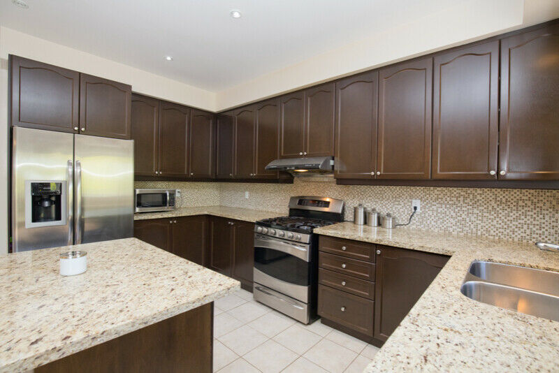 Look here! Amazing 5 Bed 5 Washroom Ravine Lot Home in Brampton!-159;