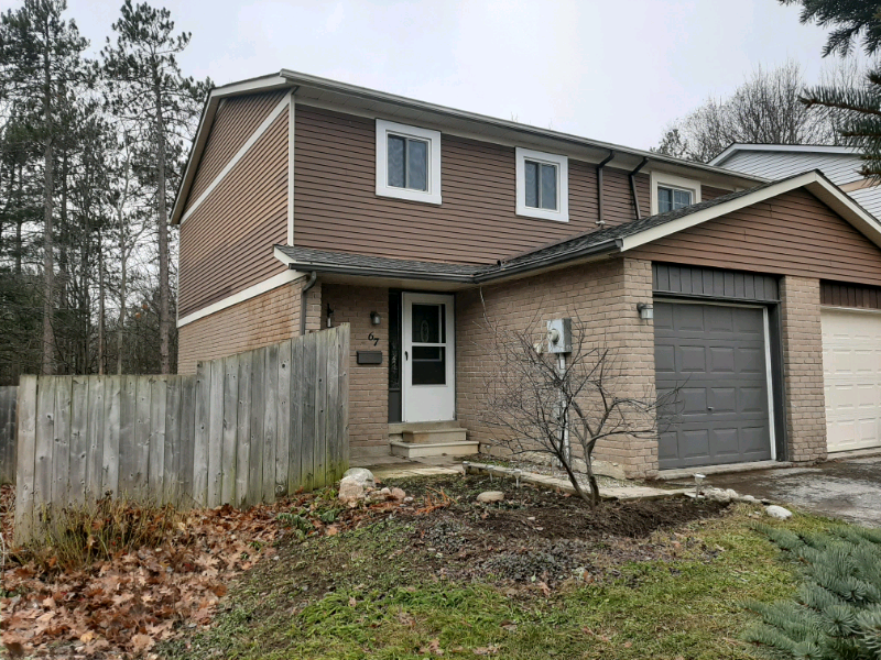 67 Burns Circle, Barrie