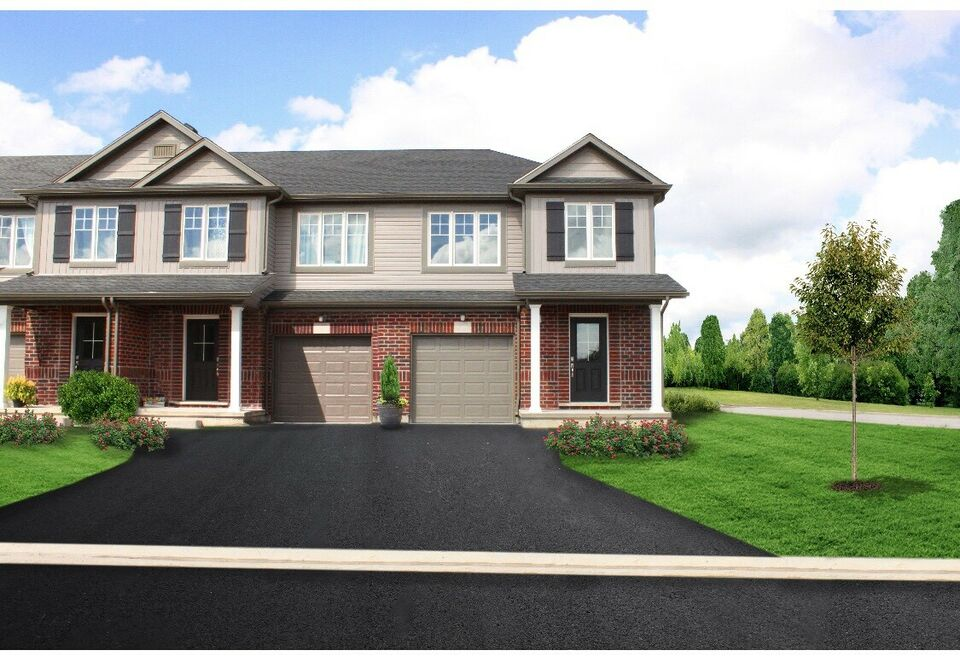 3 Bed townhome in Niagara Falls -assignment
