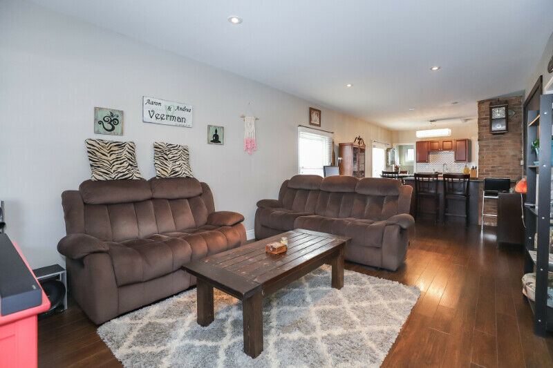 Bungalow Near Downtown St.Catharines Under $300k!