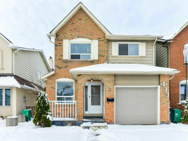 ATTENTION FIRST TIME BUYERS OR INVESTORS.......DETACHED $649,900