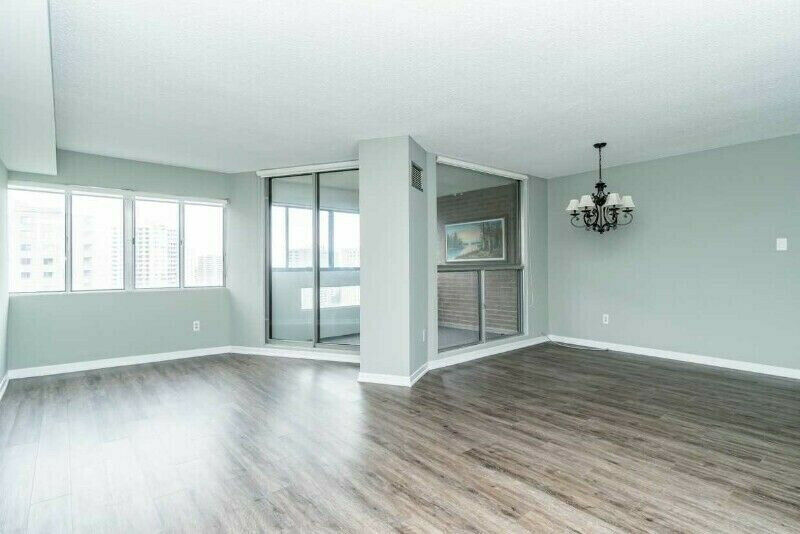 Beautiful 3-bedroom Condo in Mississauga For Lease! (50E)