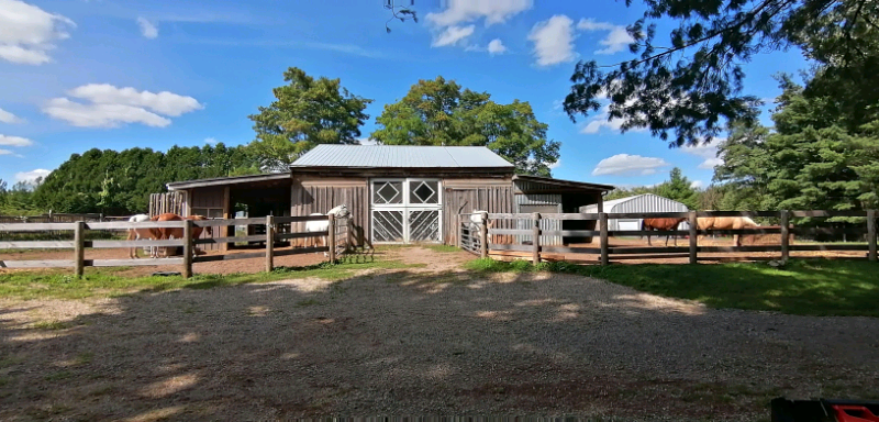 11 acre hobby farm in beautiful Puslinch, ON