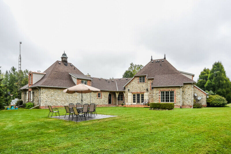 Make your Escape to the Country in idyllic Wainfleet, Niagara