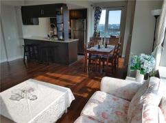 Stunning South West Corner Unit At Scarborough Town Centre, Scarborough, Ca