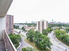 Fully Renovated Top To Bottom 2 Bedroom Unit Near Square One!, Mississauga, Ca