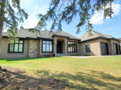 Executive Bungalow Acreage In Parkland County, Spruce Grove, Ca