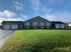 18 Warren Ave, Summerside, Ca