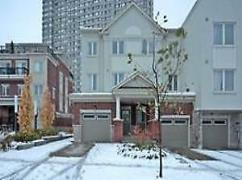 Gorgeous 4 B/R Freehold T/House At Bathrust/Steeles, Toronto, Ca