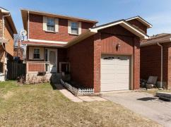 Detached House In Sought After Heart Lake West Location, Mississauga, Ca