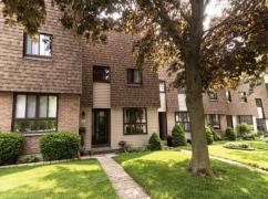 Townhouse For Sale-153;, Toronto, Ca