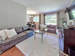 Spacious Renovated 3 Bedroom End Unit Townhouse For Sale-14;, Toronto, Ca
