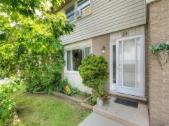 Lots Of Updates, Move-In Ready!! 4081833, Toronto, Ca