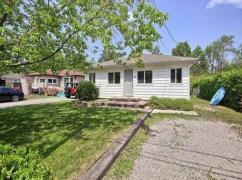 900 Maplewood Dr, Barrie, Ca