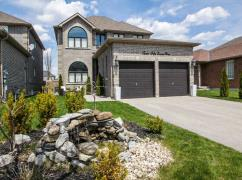 Beautiful Innisfil House, 3,000 Sq Ft, Only $670,000!, Markham, Ca