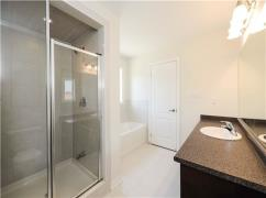 4 Bed 3 Washroom Townhouse For Sale In Brampton, Brampton, Ca