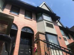 Toronto King And Bathurst Townhome For Sale Downtown 1500 Sqft!!, Toronto, Ca