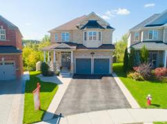 Look here! Amazing 5 Bed 5 Washroom Ravine Lot Home in Brampton!