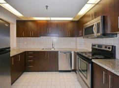 ?? Just Listed!!! 890 Sf!!! 1 Bed 1 Bath - St. Lawrence Market??, Ajax, Ca